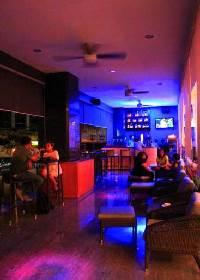 8th Street Bar