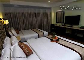 Room at Diamond Suites