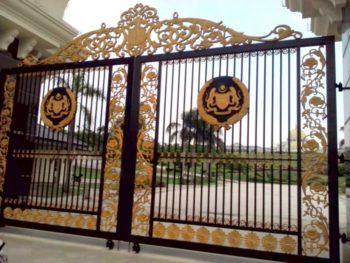 The Gate at the King's Palace, Kuala Lumpur